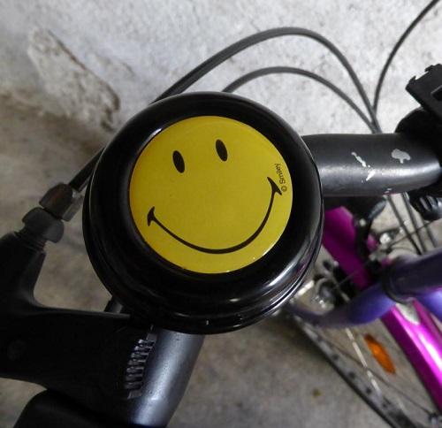 Meine neue Smiley-Fahrradklingel oder Was Lächeln mit Selbststärkung zu tun hat